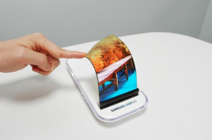 A Samsung szállítja az Apple OLED paneljeit
