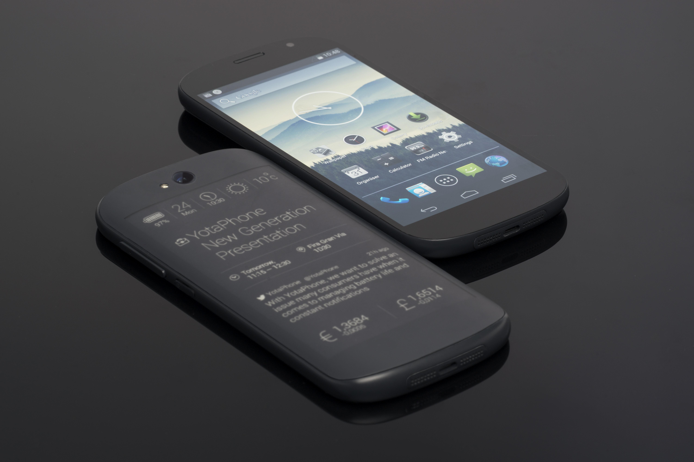 YotaPhone újratöltve - megérkezett az első ráncfelvarrás