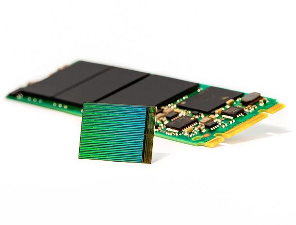 10+ TB tárhellyel rendelkező Intel SSD