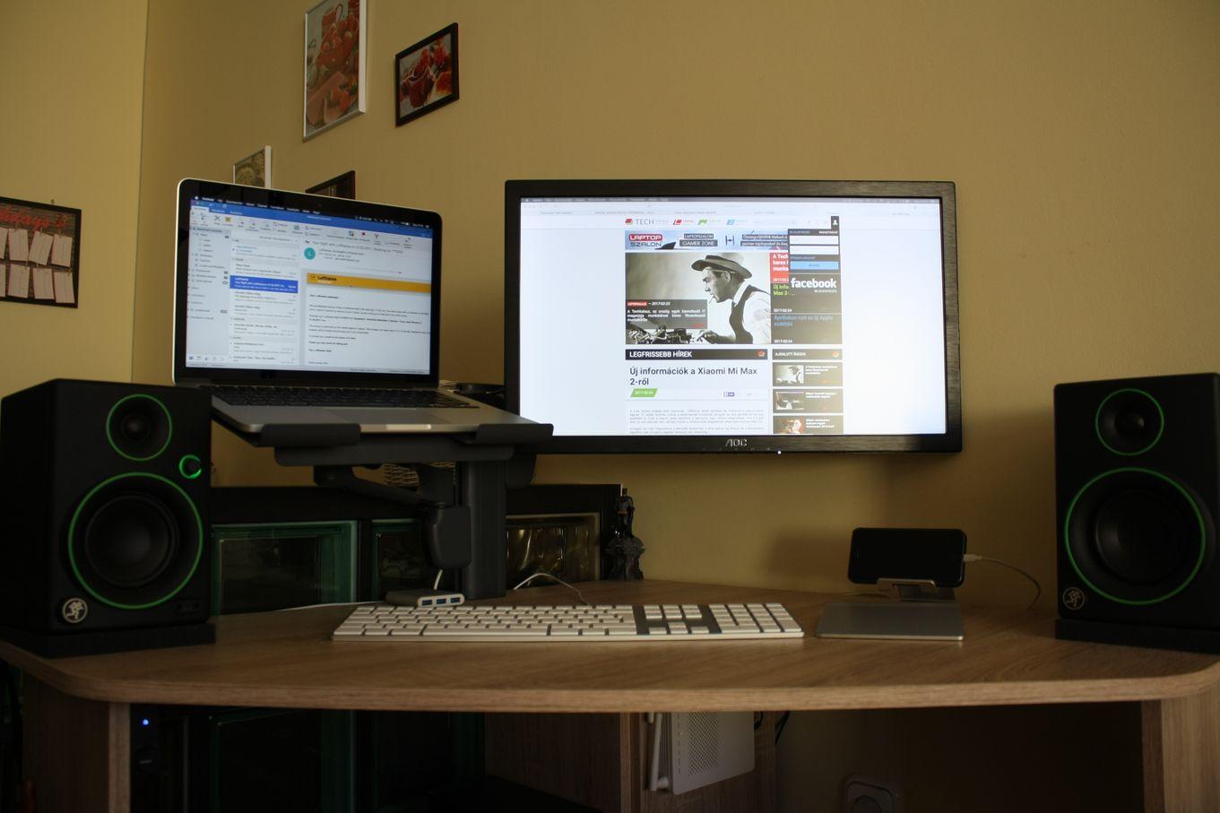 RealDesk #1 rész - MacBook, AOC monitor, billentyűzet és egér