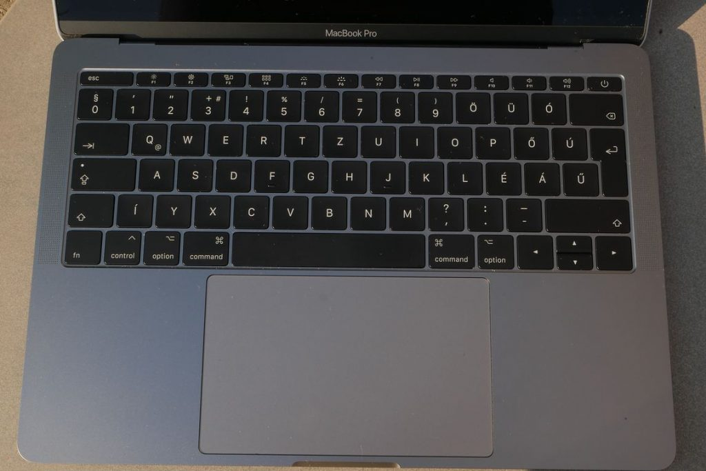 macbook pro 13 review